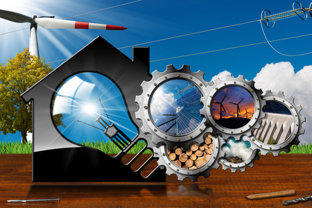 Risorse rinnovabili - Illustrazione 3D di una casa modello con una lampadina e un gruppo di ingranaggi con le energie sostenibili. Vento, energia solare, biomassa, energia idroelettrica, potenza del mare. Su una scrivania e un cielo blu Archivio Fotografico - 89640243