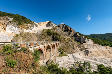 Marble quarries (Carrara white marble) in the Apuan Alps (Alpi Apuane). Tuscany, (Toscana), Italy, Europe Stock Photo