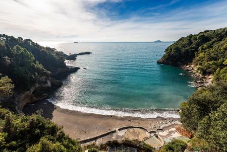 Small bay near the Lerici village in the Gulf of La Spezia, Mediterranean sea. Liguria, Italy, Europe 版權商用圖片