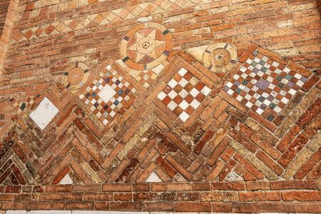 Ancient brick wall of the Basilica of Santo Stefano also called the Seven Churches in early Christian, Romanesque and Gothic style. Bologna, Emilia-Romagna, Italy, Europe Banque d'images