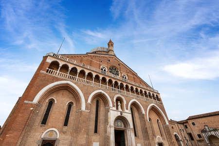 Medieval Basilica of Sant'Antonio di Padova (St. Anthony of Padua) in Romanesque and Gothic style (1238-1310), Piazza del Santo, Veneto, Italy, Europe.