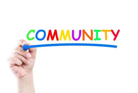 comunidad: Comunidad Palabra escrita a mano con un marcador y subrayar en transparente limpie la placa con fondo blanco y copia espacio