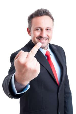 sarc�stico: Hombre de negocios sarc�stico e ir�nico muestra el dedo medio obsceno Foto de archivo