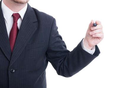 persona escribiendo: El hombre de negocios mano que sostiene la pluma en el marcador o espacio de la copia blanca o pantalla transparente