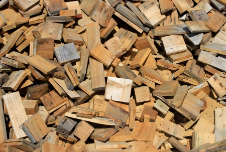 Pile of small pieces of scrap wood Standard-Bild