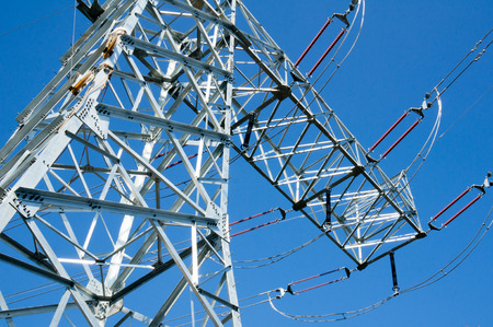 torres de alta tension: Pilones