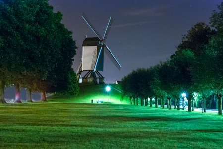 Belgique Windmill at Night Banque d'images - 23302904