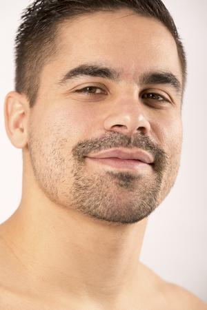 modelo desnuda: La preparaci�n f�sica para la competici�n de artes marciales hombre bonito muscular