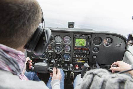 Lezione di volo su un aereo Cessna 172 Francia Archivio Fotografico