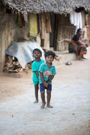 niños pobres: Illustrative image. Pondicherry, Tamil Nadu, India - Marsh 13, 2014. Poor children boys and girls in the street of small villages