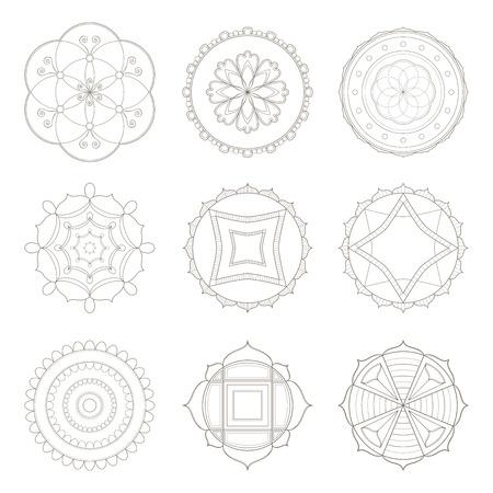 Collection de neuf dessins simples de mandala utiles pour les pages à colorier et les livres