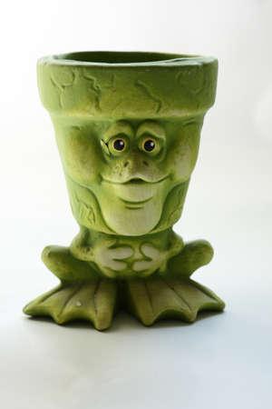 Green frog-like flowerpot