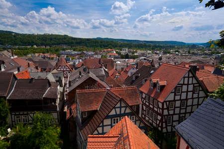 Draufsicht auf Marburg Stadt in Deutschland