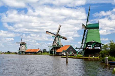 zaanse: Nederlandse molens op de Zaanse Schans, Nederland Stockfoto