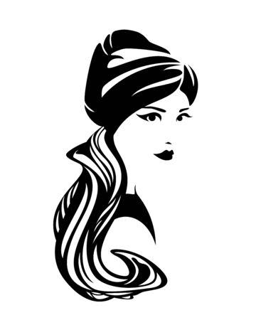 Donna elegante che indossa il tradizionale foulard con turbante