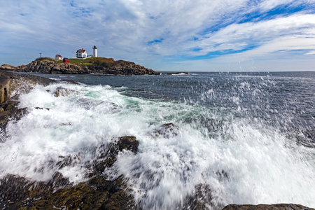 Cape Neddick Lighthouse (Nubble Lighthouse) at Old York Village, Maine, USA Фото со стока - 77949275