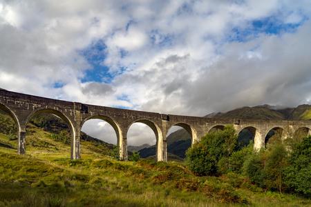 Glenfinnan Viaduct in Scottish Highlands Imagens