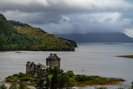 Eilean Donan castle on a cloudy day, Highlands, Scotland, UK Éditoriale