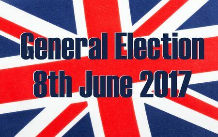 Elección general el 8 de junio de 2017 escrito en una bandera británica del enchufe de unión. Foto de archivo