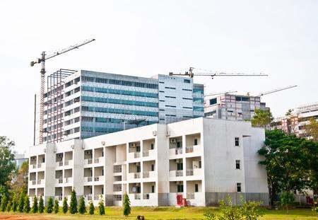 batiment industriel: Le b�timent Modern en construction Banque d'images