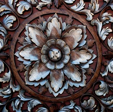 keltische muster: Der alte Schnitzerei Holz Ornament Blumenmuster Thai-Stil