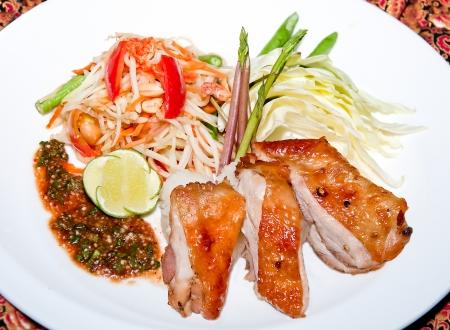 Papaya salad with grill chicken Stock Photo - 14178805