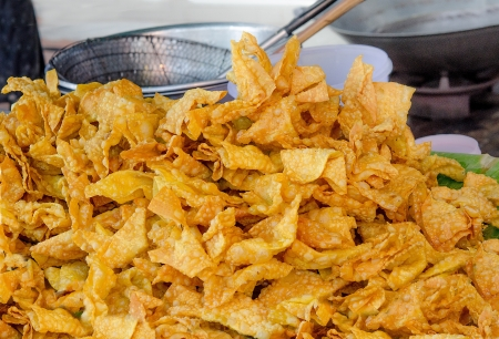 Deep fried wonton in the market Stock Photo - 21762040