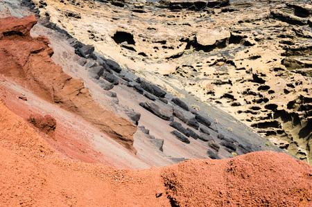 chromatic colour: Chromatic discordance in volcanic rocks near El Golfo