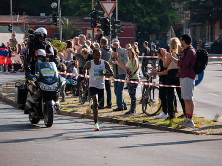 Kenenisa Bekele At Berlin Marathon 2021 Редакционное