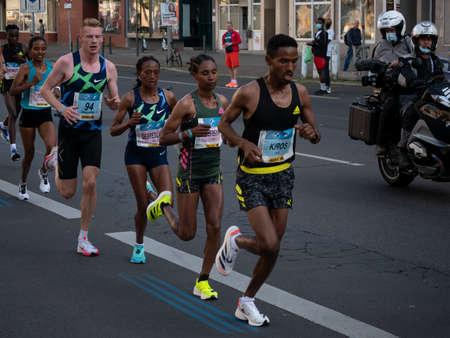Leading Group At Berlin Marathon 2021 With Winner Gotytom Gebreslase