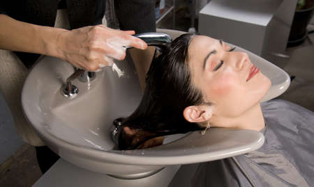wash basin: A day at the salon starts with shampoo