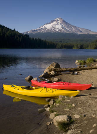 Kiyaks On Trillium Lake At Mount Hood Stock Photo