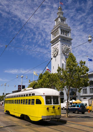 San Francisco Car Trolley mueve a trav�s de las calles de San Francisco
