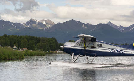Floatplane comes in for a landing near Ted Stevens National Airport