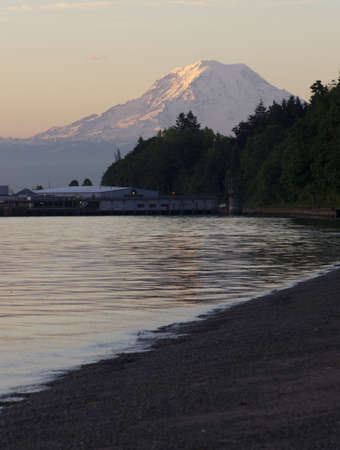tacoma: Mt. Rainier looms large over north Tacoma and Point Defiance waterfront Editorial