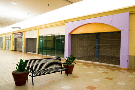 A local mall has far more empty spaces than tenants photo