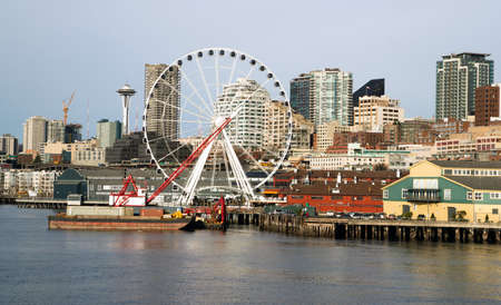 Infrastructure, Buildings, and waterfront attractions Elliott Bay Seattle 스톡 콘텐츠