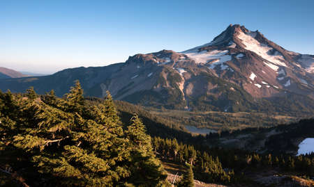 mount jefferson: The view from one mountain over looking at Mount Jefferson Stock Photo