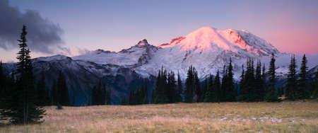 Smokey Sunrise Mt Rainier National Park Cascade Vulkanische Arc