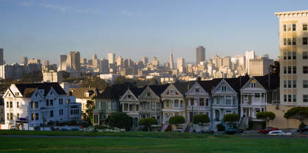 A long horizontal panoramic view of the homes called painted ladies Banco de Imagens