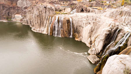 mesas: Near Twin Falls this landmark shows the water crisis in one picture in a very low flow