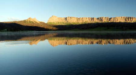brooks: Brooks Lake Breccia Cliffs Mountain Range Shoshone National Forest Stock Photo