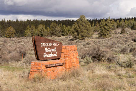 federally: Sign marking the entrance to federally protected lands