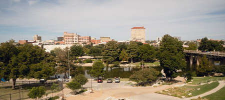 Gebouwen en architectuur de stadshorizon van de binnenstad Lubbock, Texas Stockfoto - 92187760