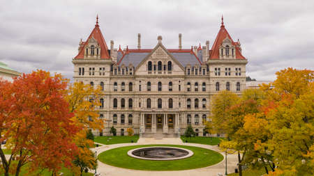 Its a crisp cold day in Albany New York downtown at the statehouse in the aerial view 版權商用圖片 - 112552031