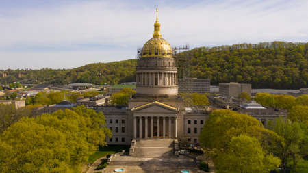 The State Capital of West Virginia get some refurbishing spring of 2019 스톡 콘텐츠