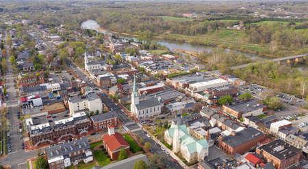 The Rappahannock River flows along next to the historic city of Fredricksburg Virginia Reklamní fotografie