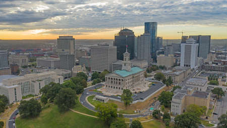 The Tennessee State House sits up  on a hill on the north edge of town in Nashville Reklamní fotografie