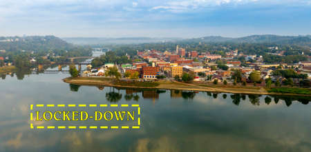 A scenic byway feeds tourists into the downtown area in the settlement called Marietta in Ohio State Reklamní fotografie