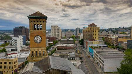 An ominous sky cover the downtown area of Tacoma Washington Redakční